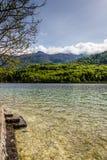 Sikt av Bohinj sjön i den Triglav nationalparken Slovenien Royaltyfri Foto