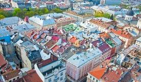 Sikt av bostadsområdet med hus och gator från över Royaltyfri Bild