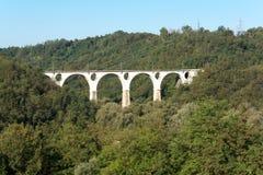 Sikt av bron i Malnate, Varese italy Arkivfoton