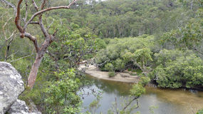 Sikt av bubblalilla viken, Ku-cirkel-Gai jakt Nationalpark, Australien Royaltyfria Bilder