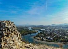Sikt av Bunafloden royaltyfri bild