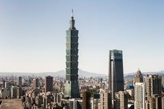 Sikt av byggnad för Taipei 101 internationell handelmitt Arkivbild