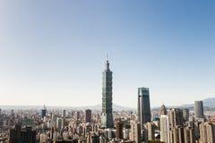 Sikt av byggnad för Taipei 101 internationell handelmitt Arkivbilder