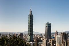 Sikt av byggnad för Taipei 101 internationell handelmitt Arkivfoto