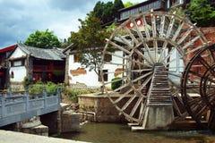 Sikt av byggnader för traditionell kines i lijian, yunnan landskap, porslin royaltyfri foto