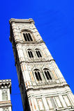 Sikt av Campanile di Giotto i Florence Italy Royaltyfria Bilder