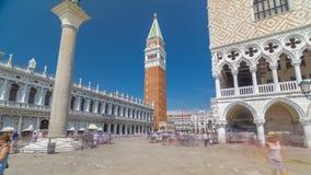 Sikt av campanilen di San Marco och Palazzo Ducale, från San Giorgio Maggiore timelapsehyperlapse, Venedig, Italien lager videofilmer