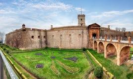 Sikt av Castillo de Montjuic på berget Montjuic i Barcelona, arkivbilder