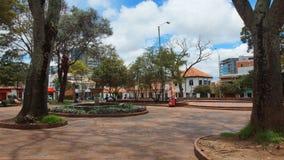 Sikt av Central Park av Usaquen Usaquen är ett bostads- och kommersiellt område i nordliga Bogota, huvudstad av Colombia Royaltyfria Foton
