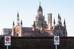sikt av Certosa di Pavia arkivbild