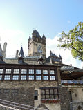 Sikt av Cochem den imperialistiska slotten i Tyskland Royaltyfri Fotografi