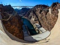 Sikt av Coloradoflodenbron från dammsugarefördämningen Arkivbilder