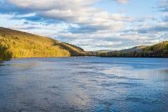 Sikt av Connecticutet River från det Brattleboro Vermont tillståndet Lin Royaltyfri Fotografi
