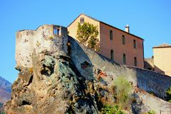 Sikt av corte i Korsika Frankrike arkivfoto