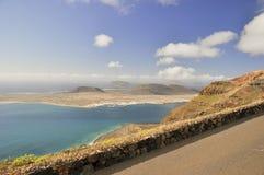Sikt av de angränsande öarna från Lanzarote Royaltyfria Bilder