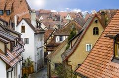 Sikt av de medeltida gatorna Royaltyfri Foto