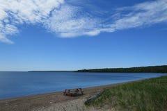 Sikt av den överlägsna sjön Arkivbild