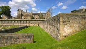 Sikt av den Aberdour slotten Royaltyfria Foton