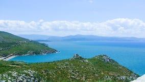Sikt av den aegean kusten i Ozdere, Turkiet Royaltyfria Foton