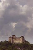 Sikt av den Angera fästningen underifrån, lodlinjesnitt Royaltyfria Bilder