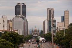 Sikt av den Avenida Presidente Vargas avenyn i Rio de Janeiro under karneval royaltyfria foton