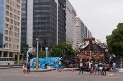 Sikt av den Avenida Presidente Vargas avenyn i Rio de Janeiro under karneval royaltyfria bilder