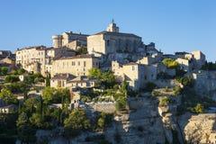 Sikt av den berömda Gordes medeltida byn Royaltyfria Bilder