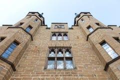 Sikt av den berömda Hohenzollern slotten, släkt- plats av imperien arkivbilder