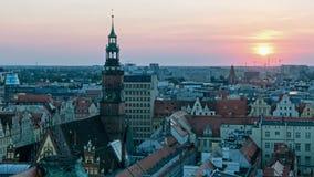Sikt av den berömda polska staden Wroclaw Europeisk huvudstad av kultur Stadspanoramautsikt Resa EU lager videofilmer