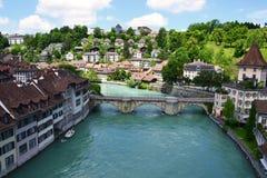 Sikt av den Bern- och Aare floden Arkivbild