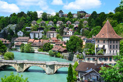 Sikt av den Bern- och Aare floden Royaltyfria Foton