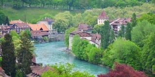Sikt av den Bern- och Aare floden, Schweiz Fotografering för Bildbyråer