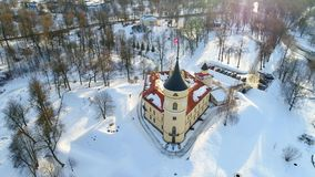 Sikt av den Bip slotten, Februari dag Pavlovsk Ryssland antennvideo lager videofilmer