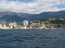 Sikt av den Black Sea kusten i Yalta, Krimet royaltyfri fotografi