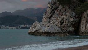 Sikt av den Boka Kotorska fjärden på sommarafton arkivfilmer