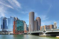 Sikt av den Boston hamnhorisonten på en solig dag arkivbild