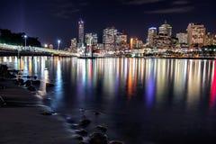 Sikt av den Brisbane staden från Southbank Parklands, Brisbane Fotografering för Bildbyråer
