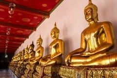 Sikt av den buddha statyn i Thailand Arkivfoton
