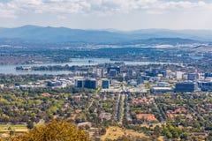 Sikt av den Canberra staden Royaltyfri Fotografi
