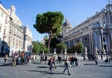 Sikt av den Catania domkyrkan Royaltyfri Bild