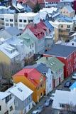 Sikt av den centrala Reykjaviken från den Hallgrimskirkja kyrkan Arkivbilder