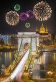 Sikt av den Chain bron, Budapest Arkivfoto