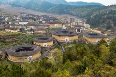 Sikt av den ChuXi klungan av det Tulou - Fujian landskapet, Kina Royaltyfria Bilder