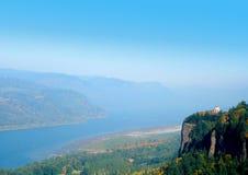 Sikt av den Columbia floden   Arkivfoton