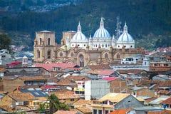 Sikt av den Cuenca domkyrkan Arkivbild