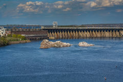 Sikt av den Dnieper vattenkraftväxten DnieproGES Royaltyfri Bild