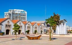 Sikt av den Europa fyrkanten i Larnaca arkivfoton