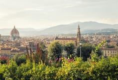 Sikt av den florence staden från Michelangelo Square Royaltyfri Bild