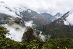 Sikt av den forntida Incan staden av Machu Picchu Arkivbild