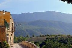 Sikt av den forntida staden - Corfinio, L'Aquila, i regionen av Abruzzo - Italien Arkivbild